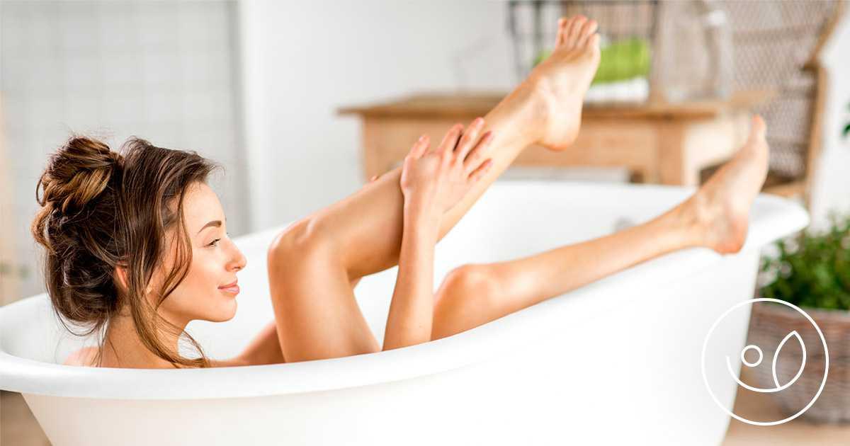 relax e benessere nella vasca da bagno grazie agli oli da bagno